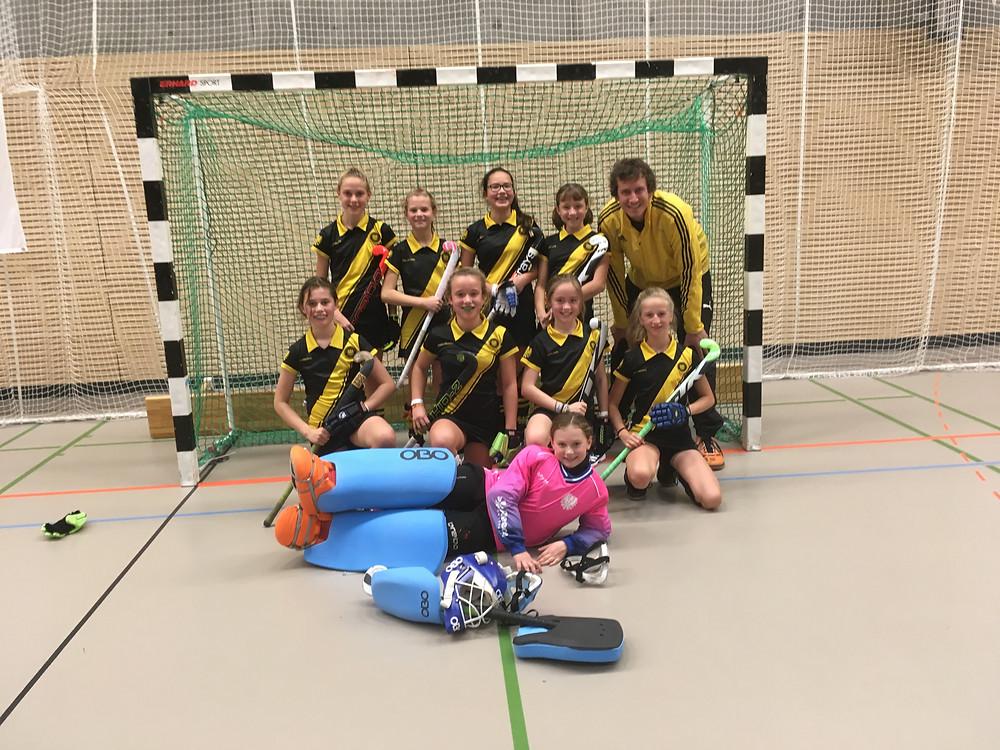 Mädchen B holen den 1.Platz beim Erich-Kästner-Turnier