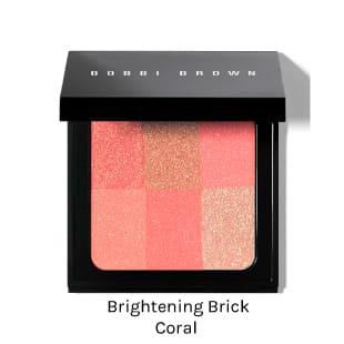 BOBBI BROWN BRIGHTENING BRICK. Rubor iluminador para destacar mejillas y aportar tono saludable a la piel.