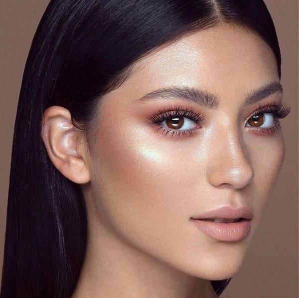 Makeup Otoño Invierno 2019. Te contamos cuáles son las técnicas, colores y tendencias que se impondrán ésta temporada.