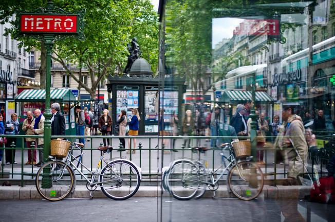052713-Paris-Metro Signage-ZN-0631.jpg