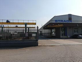 La sede aziendale di via Maestri 5, nella zona industriale di Brescia