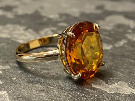 Prosty pierścionek, czyli nie do końca prosta droga od starych łańcuszków do nowego wyrobu.