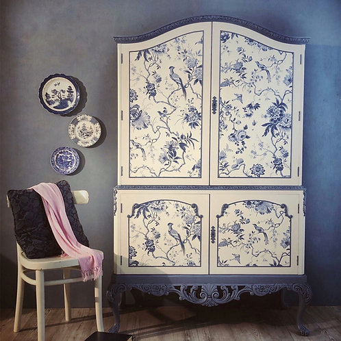 Chinoiserie China Blue Drinks Cabinet