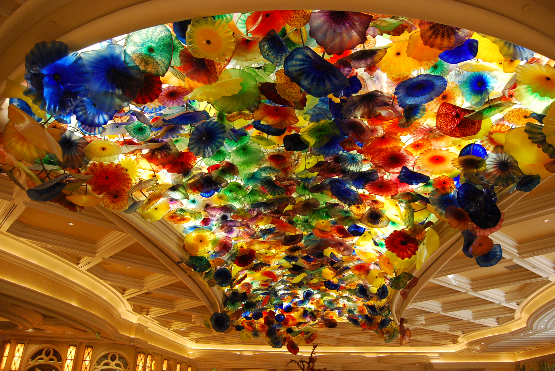 Dale Chihuly And A Vegas Kiss Backwords Blog