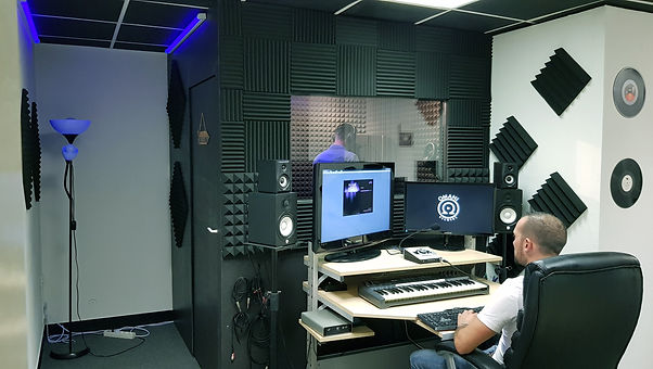 studio manny taff_edited.jpg