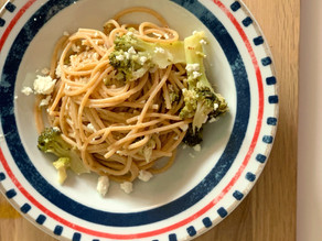 Spaghetti integrali con broccolo e feta