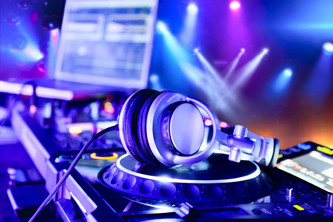לא ימלוך עוד הדי.ג'יי לבדו - DJ BAND