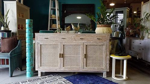 Lamba 23 Cabinet 150