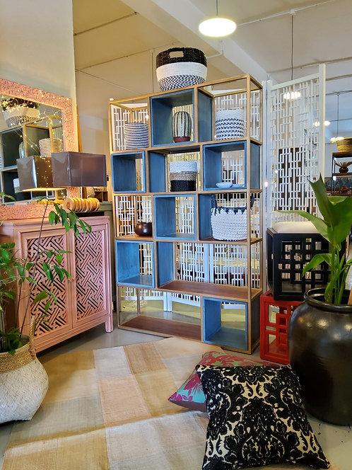 Solo Box  Display Shelf