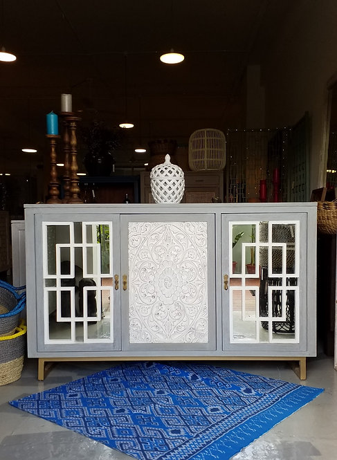 Moshley  Cabinet