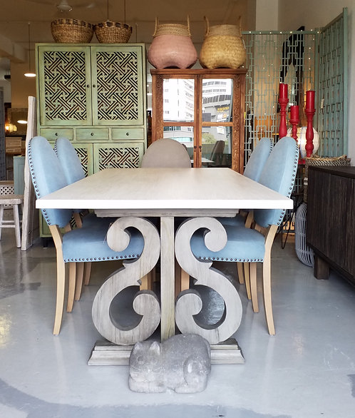 Note Dining Table 220