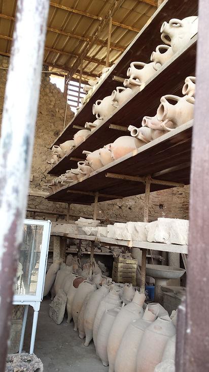 Pompei urns.jpg