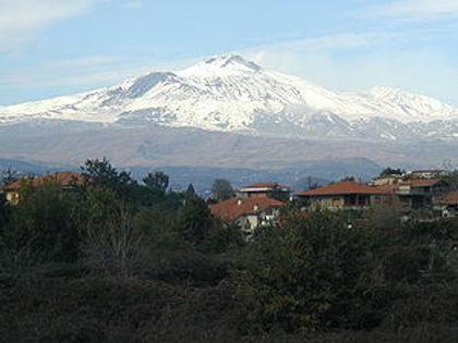 Monte_Etna_San_Gregorio_di_Catania_2001.