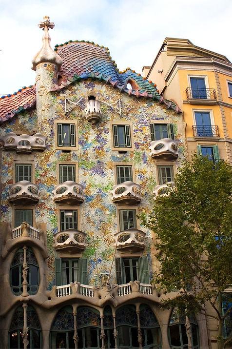 Casa_Batlló_(Barcelona)_-_4.jpg