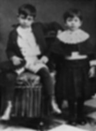 Pablo_Picasso_with_his_sister_Lola,_1889