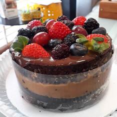 Mini bolo chocolate com doce de leite + adicional de frutas para decorar