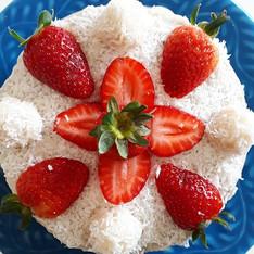 Mini bolo coco com morango