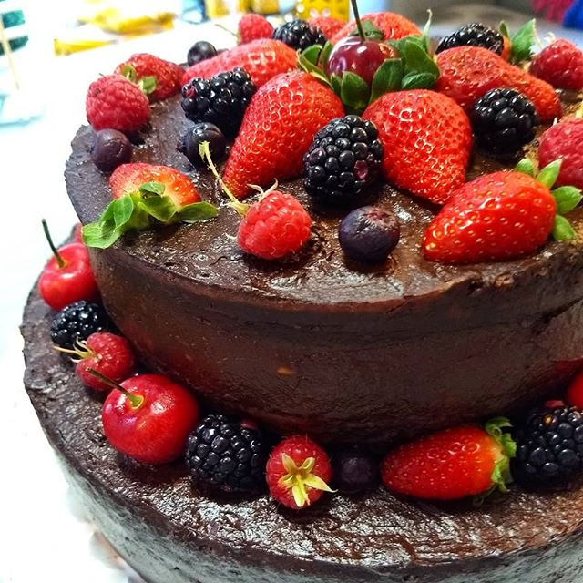 Frutas Vermelhas Chocolate 2 andares