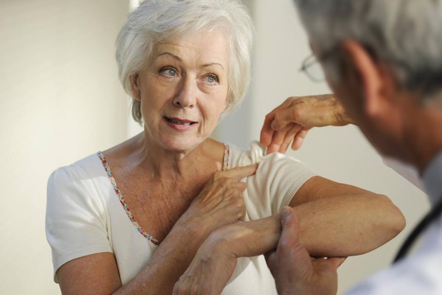 Dor no ombro causada por bursite subacromial e tendinite do manguito rotador