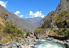 A rushing river between mountains on the Inca trail