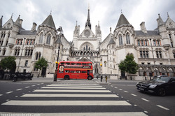 Supreme Court of Justice & Red Bus