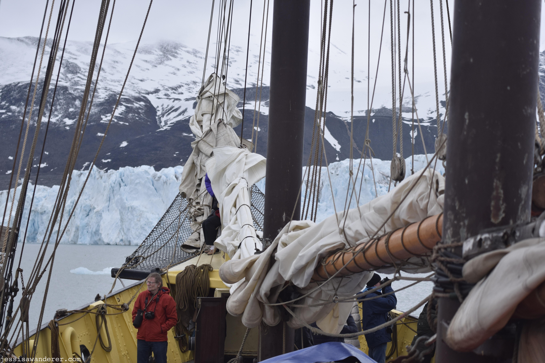 Sailing Towards Glacier