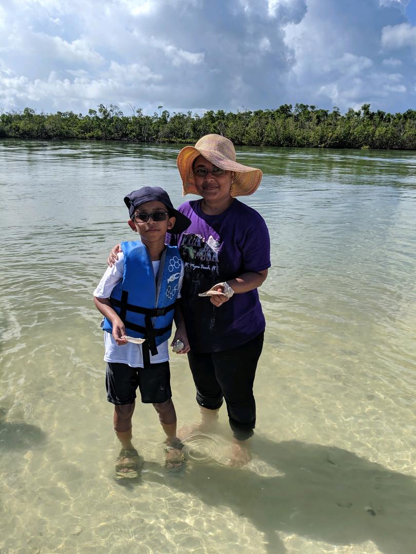Having FUN shelling in the Ten Thousand Islands