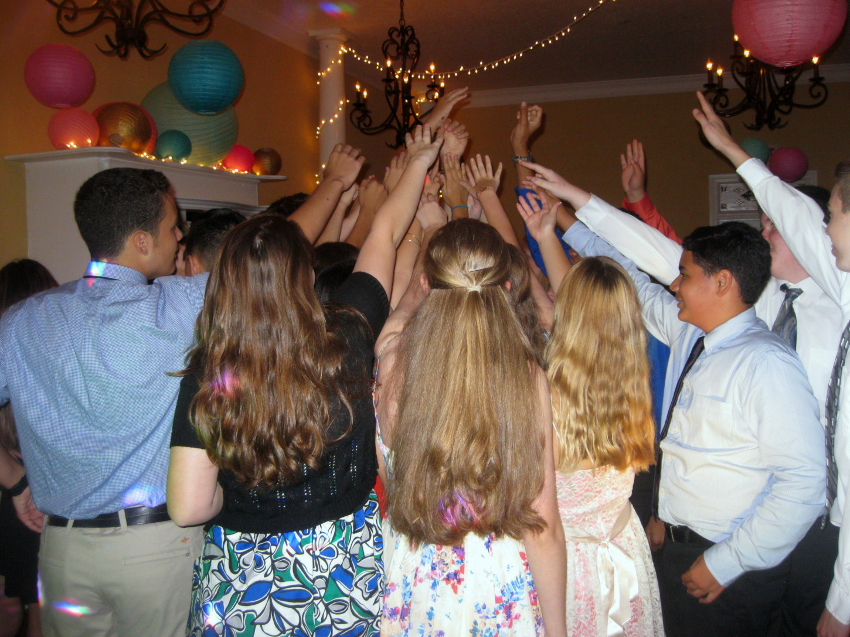 Teens Dance To Jacksonville Dj