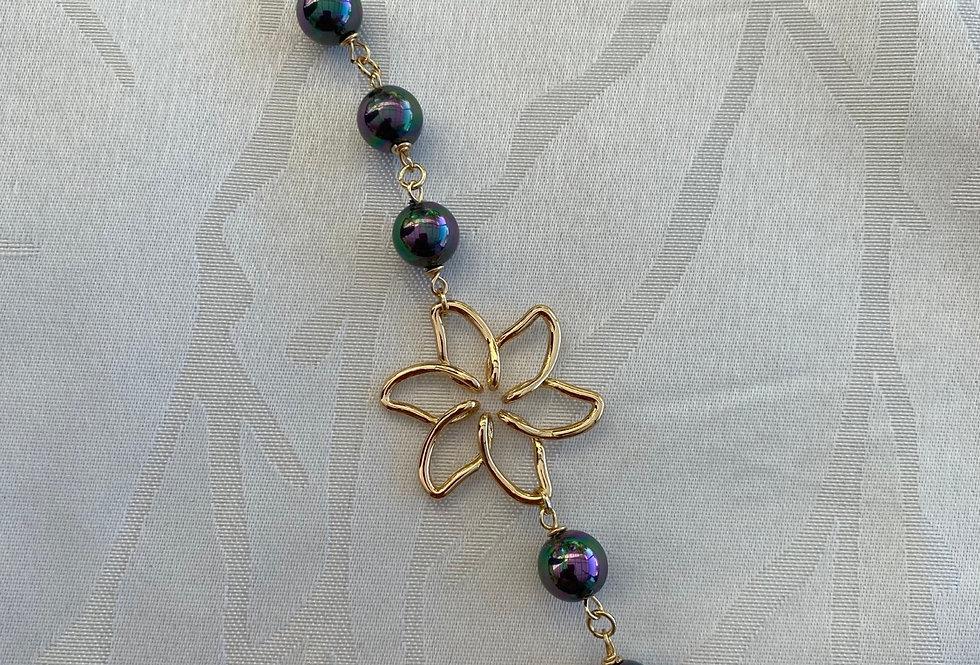 Mother of pearl bracelet single flower