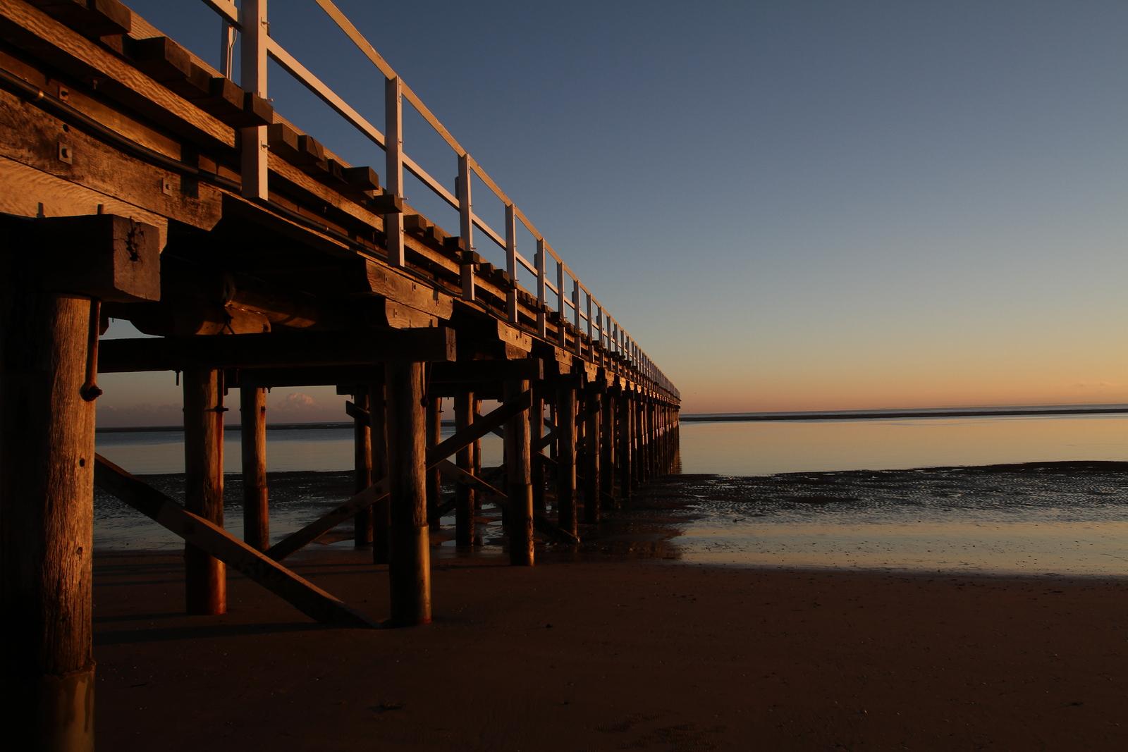 bigstock-Urangan-Pier-at-sunrise-5533574