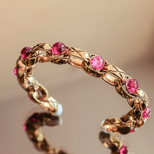 Chanel Chain Bracelet (Magenta/Gold)