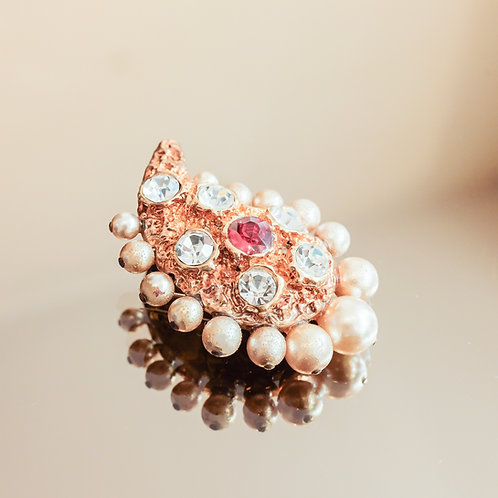 Christian Lacroix Drop Brooch (Gold)