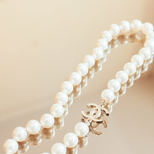 Chanel Pearl Necklace (White)