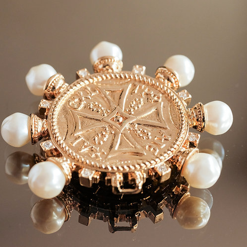 Kenneth Jay Lane Brooch (Gold/Pearl )