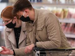 Владеющая сотнями магазинов в Карелии торговая сеть отменила наценку на основные продукты