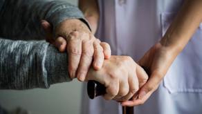 UFSCar | Estudo investiga como cuidadores de idosos conciliam trabalho e família