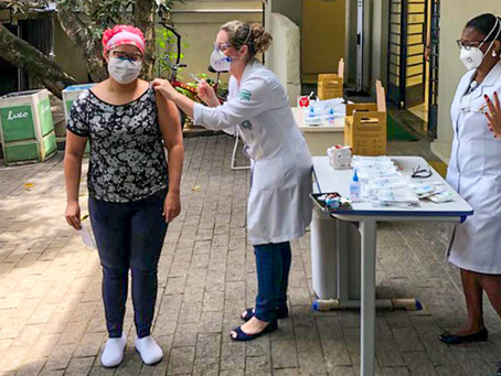 Hospital São Paulo inicia vacinação de profissionais da linha de frente no combate à covid-19