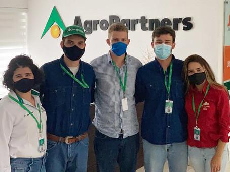 Alunos de Agronomia estagiam na Bolívia, em empresa líder de insumos |  UEM