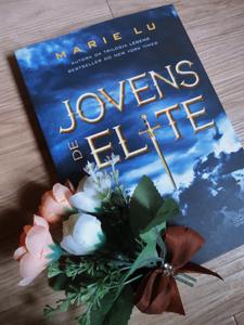 capa do livro jovens de elite por marie lu