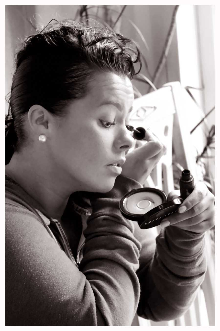 GETTING READY photos by Simeon Thaw copyright 2014 (55).jpg