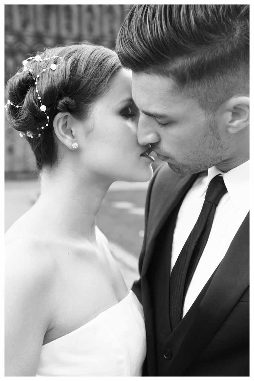 BRIDE & GROOM Photos by  Simeon Thaw copyright 2014 (21).jpg