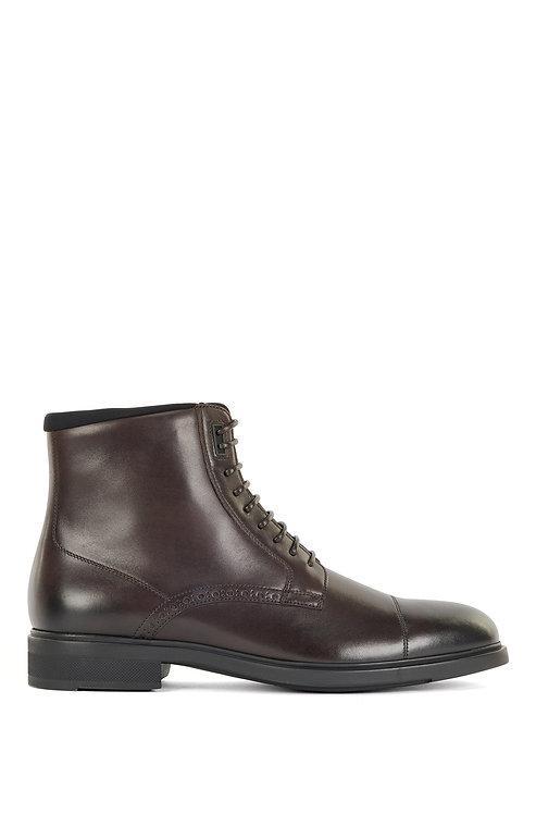 chaussures hugo boss MODÈLE FIRSTCLASS_HALB_BGCT - 50454513 Bottines mi-hautes en cuir italien bruni à détails richelieu