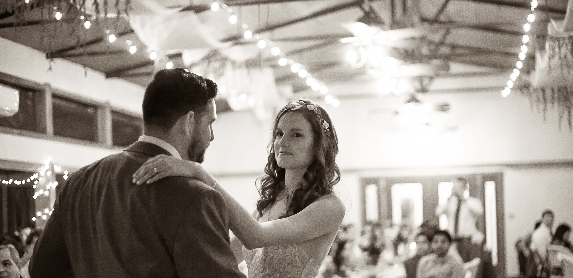 Wimberley Wedding Venue- First Dance in