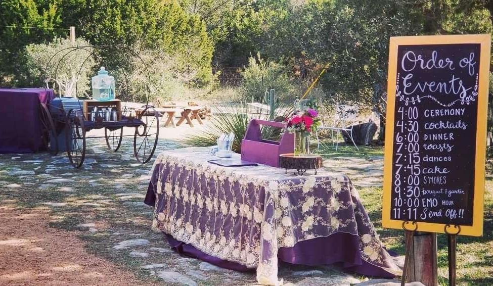 Hill Country Wedding Venue- Outdoor Set
