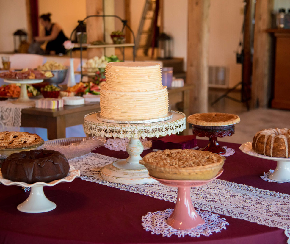 Wimberley Wedding Venue- Cake Table.jpg
