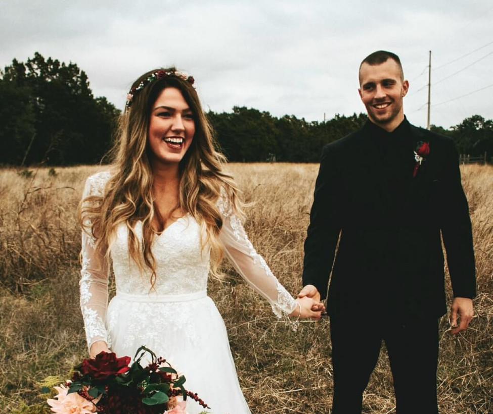 Wimberley Wedding Venue- Bride with bouq