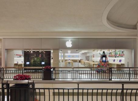 Le premier Apple Store, introduit par Steve Jobs en 2001 sera rénové