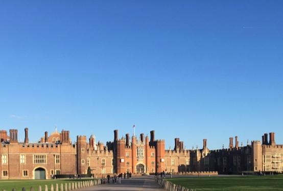 Hampton Court Palace is splendid !