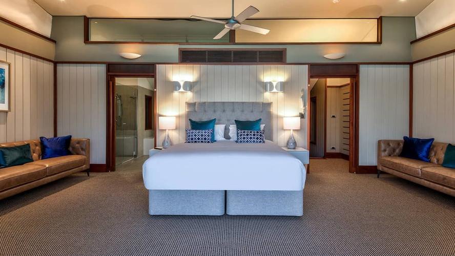 Yacht Club Villa 13