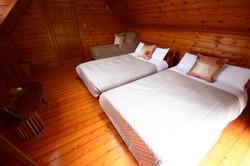 2階ベッドルーム(定員2~3名)